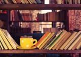 shutterstock_bookshelf