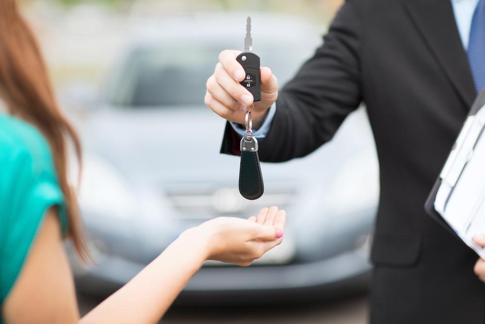 shutterstock_car buying