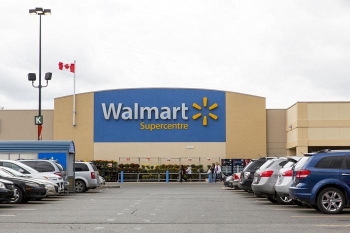 Walmart Takes Customer Service Associates To School