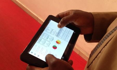 Stellar customer using Instafin on tablet_3
