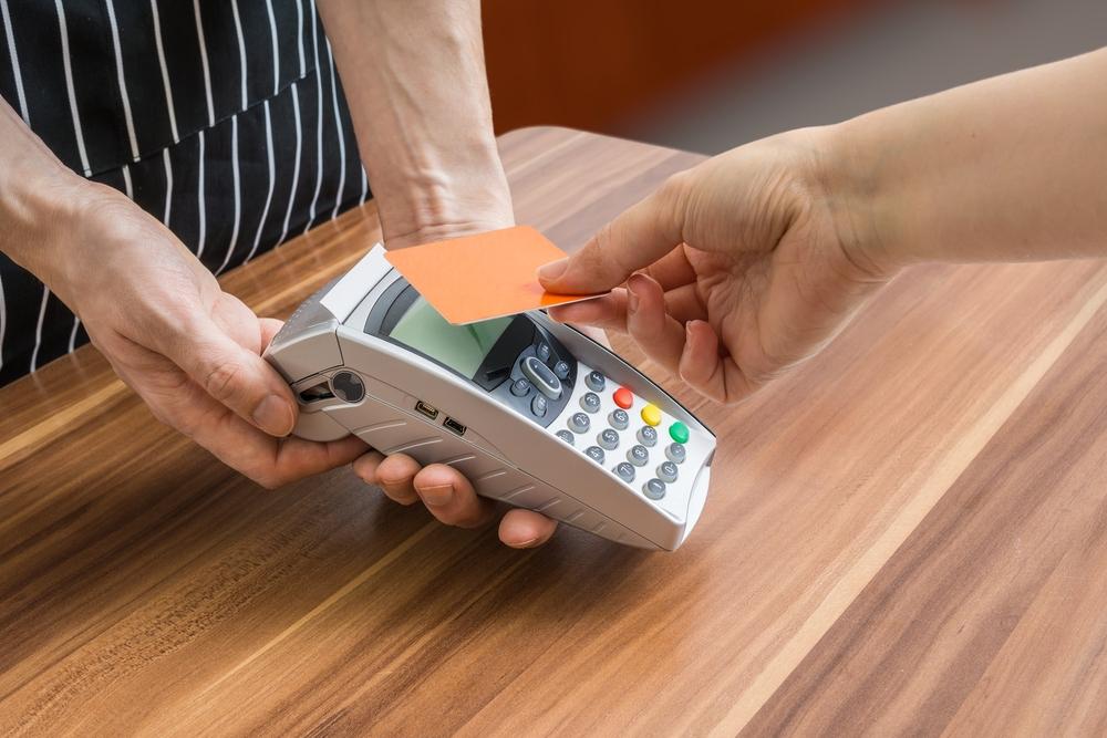 USA Technologies, Ingenico Launch Cashless Hardware, Payment Service