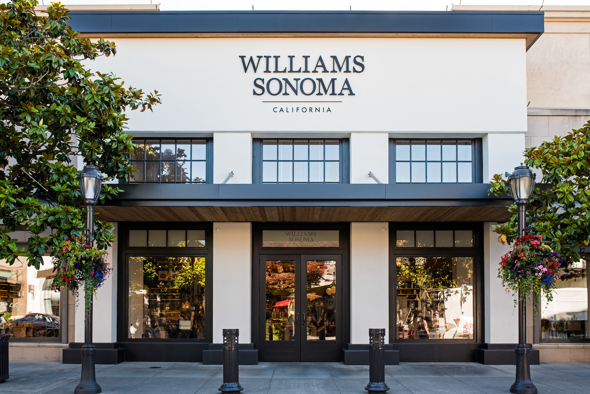 Williams Sonoma Boosts In Store Experience Pymntscom