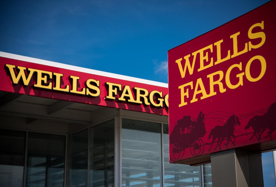 Wells Fargo Reports Mixed Results, Auto Biz Slips as Card Use Up
