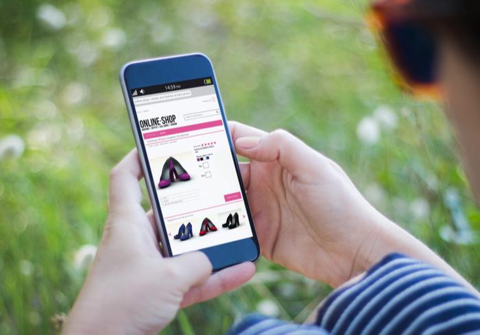 Fashion Social Media Shopping