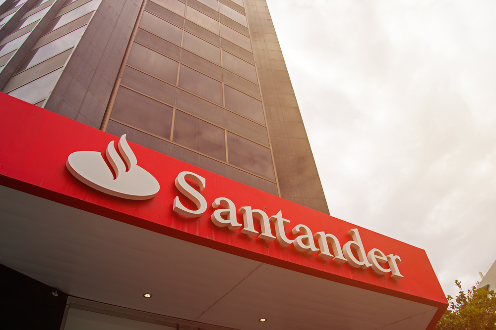 Cash Flows Via Multiple Channels To >> Santander Consolidates Corporate Cash Flows With Infosys Finacle