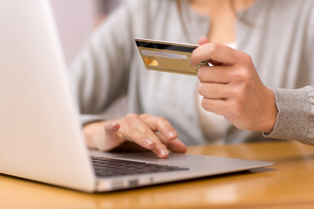 features of electronic payment system