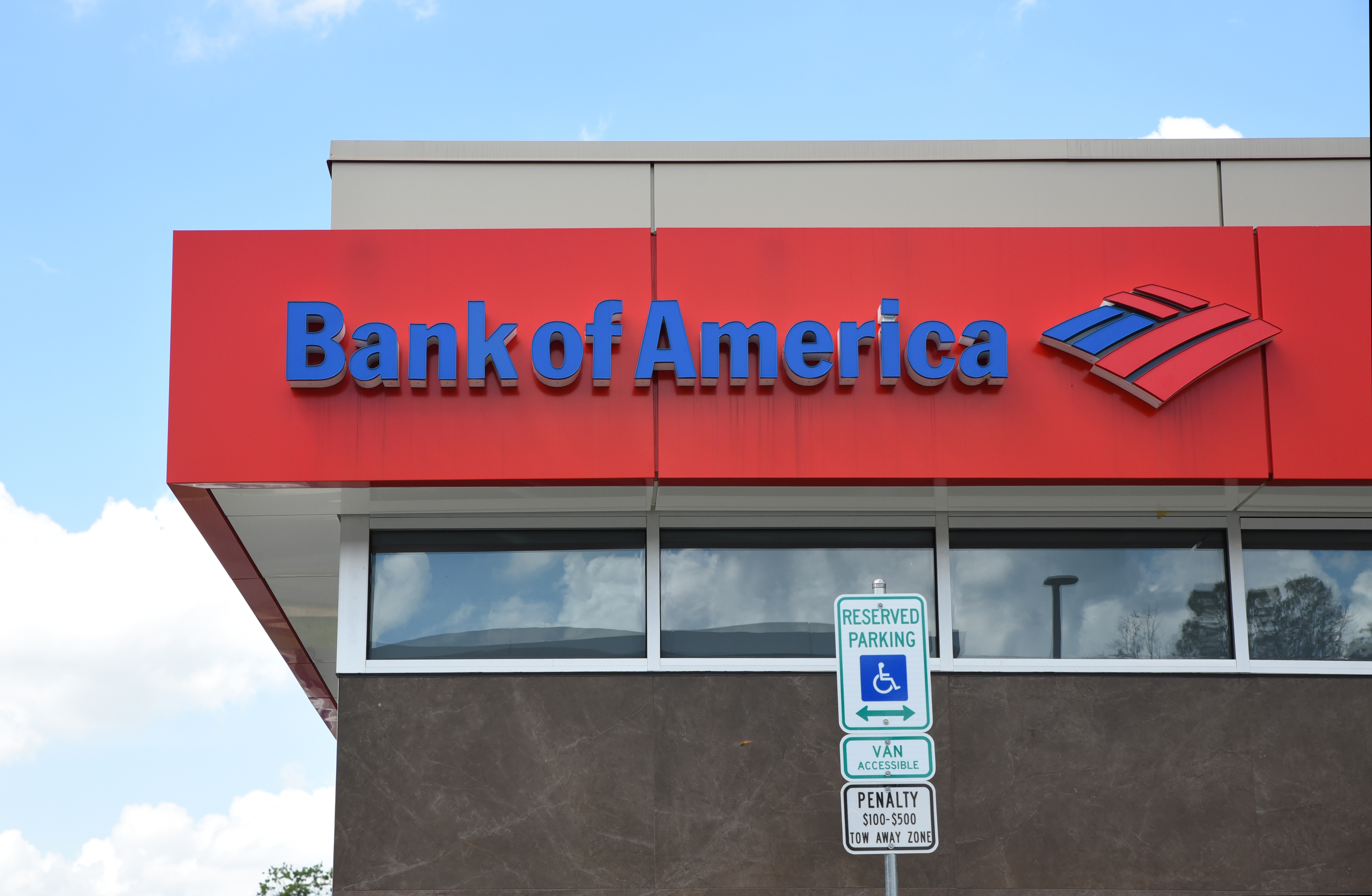 BofA Links Corporate Cards To Mobile Wallets