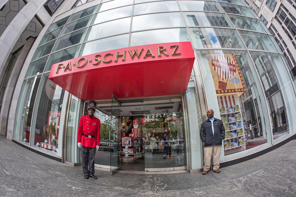 Fao Schwarz World Map.Fao Schwarz Plans To Open Canada China Stores Pymnts Com