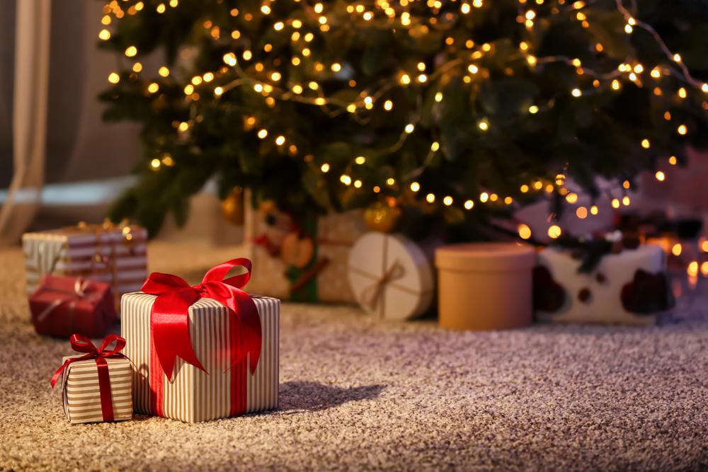 Amazon holiday sales retail