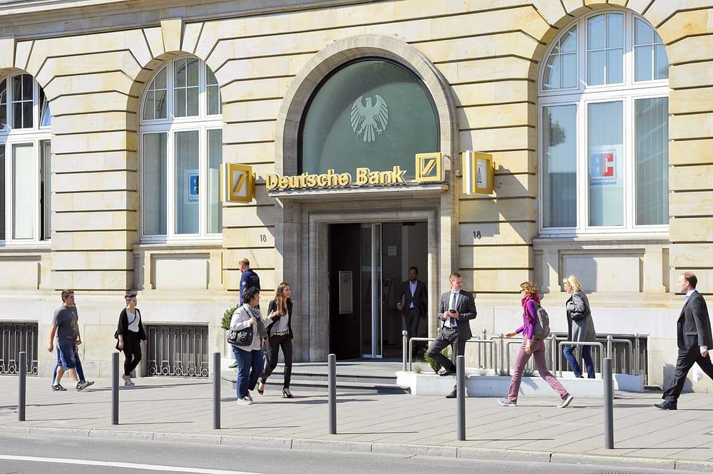 Deutsche Bank Draws Bipartisan Inquiry Over AML