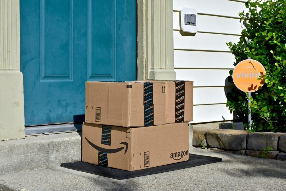 Amazon Debuts Autonomous Delivery Robot