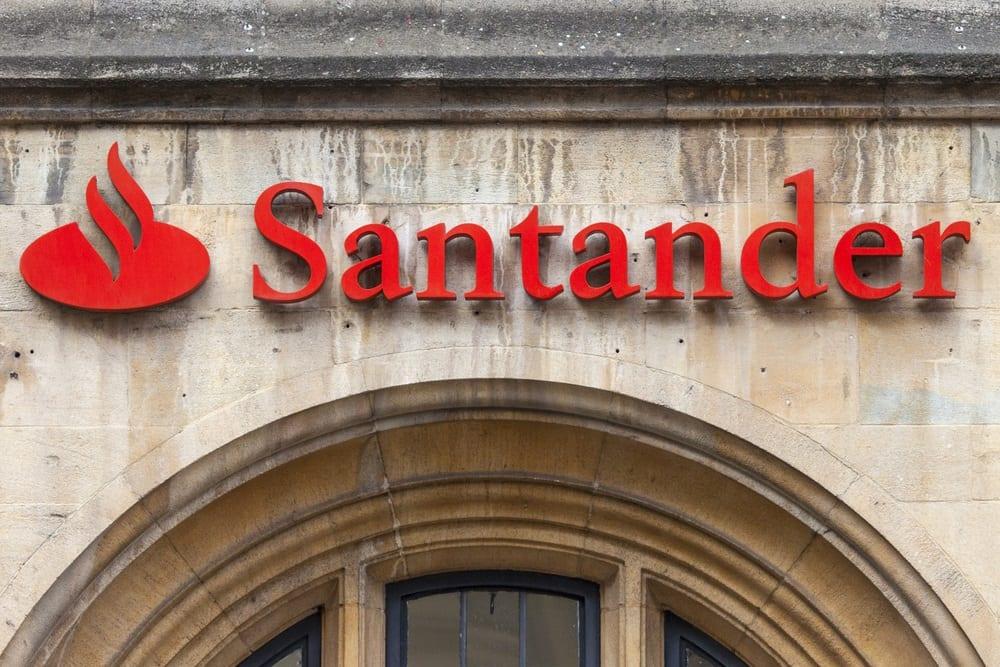 Santander to Close 140 UK Branches, Layoff 800