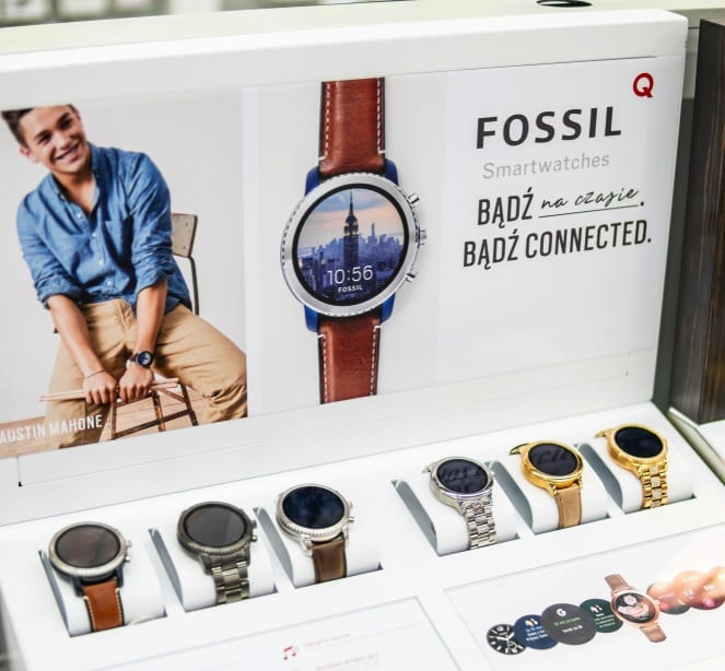 Google buys smartwatch tech from Fossil to Fight Apple