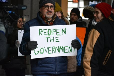 GoFundMe Crowdfunds For Furloughed Government Workers
