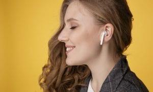 AirPod earbud
