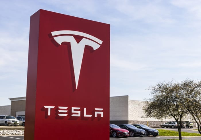 Tesla Reverses Course on Store Closures, Raises Prices to Compensate