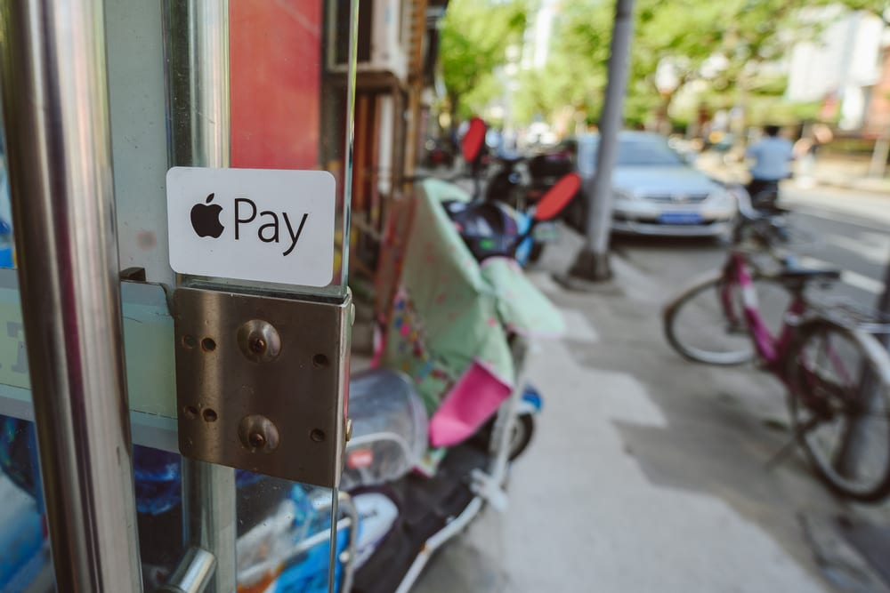 Uber Eats Now Supports Apple Pay