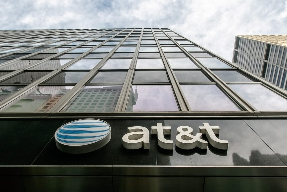 AT&T Loses Pay-TV Subscribers Amid Q1 Revenue Miss