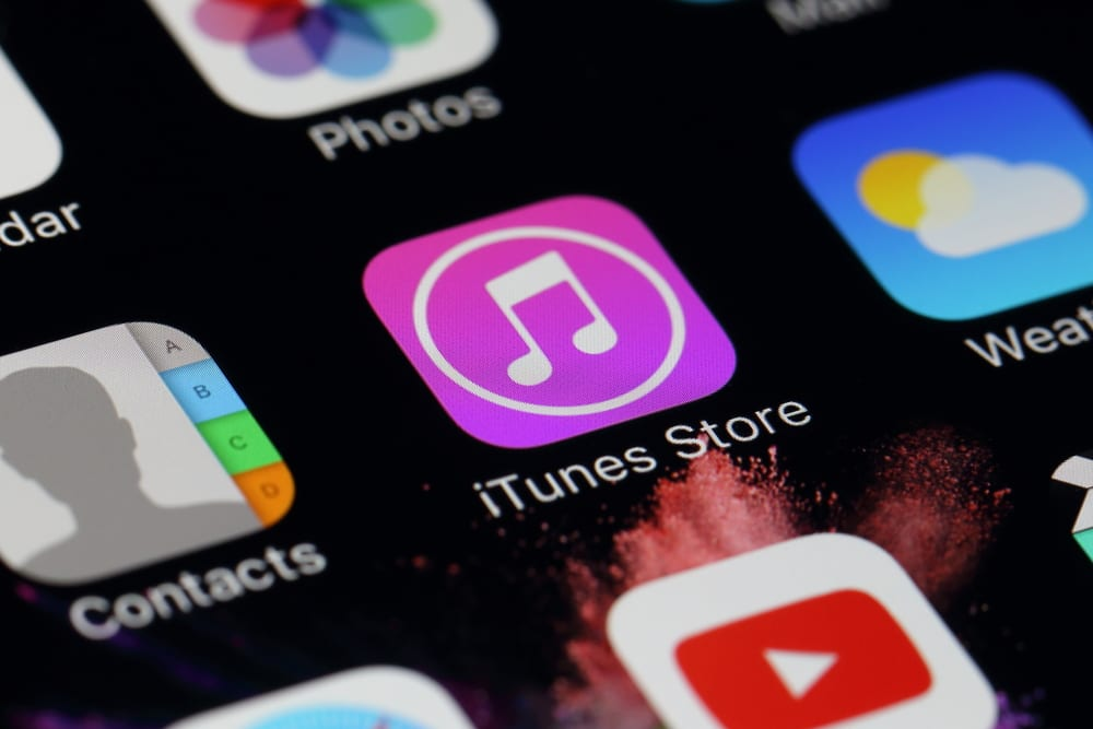 Three People Sue Apple Over iTunes Privacy Issues
