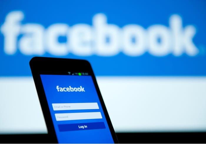 FTC Split Over Facebook Settlement Delays Decision