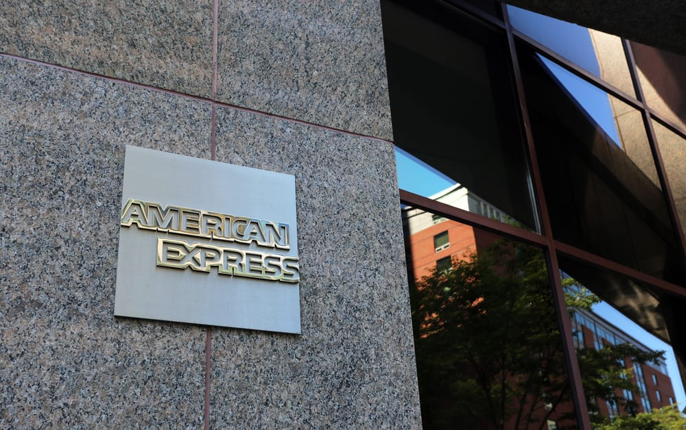 Amex Refunds 1 6m To Smb By Fee