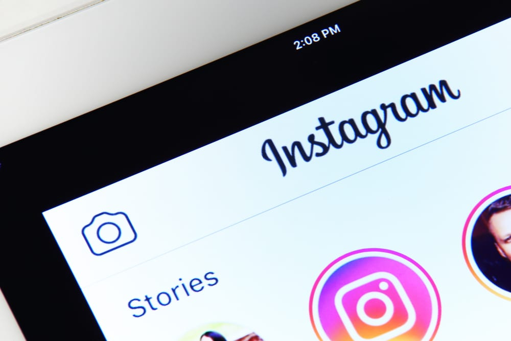 Instagram Threads Takes A Shot At Snapchat