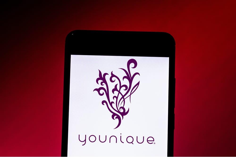 Younique Launches App For Virtual Makeup Trials
