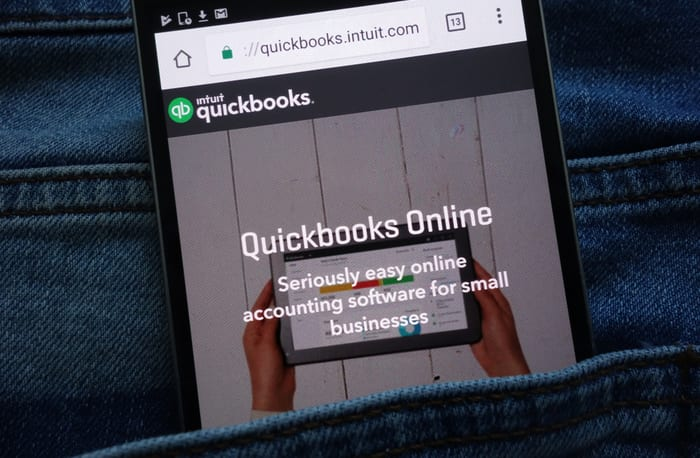 QuickBooks Adds Employee Benefits Into Online Payroll