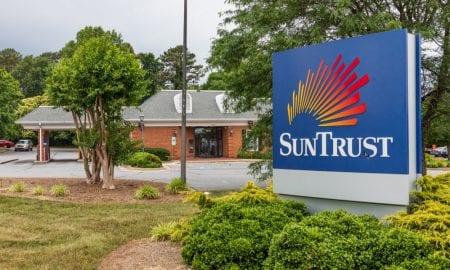 SunTrust Beats Revenue Forecast Ahead Of Merger