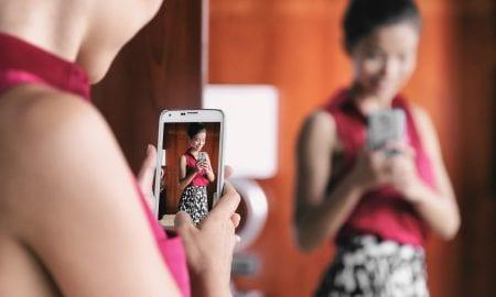 fashion smartphone dressing room