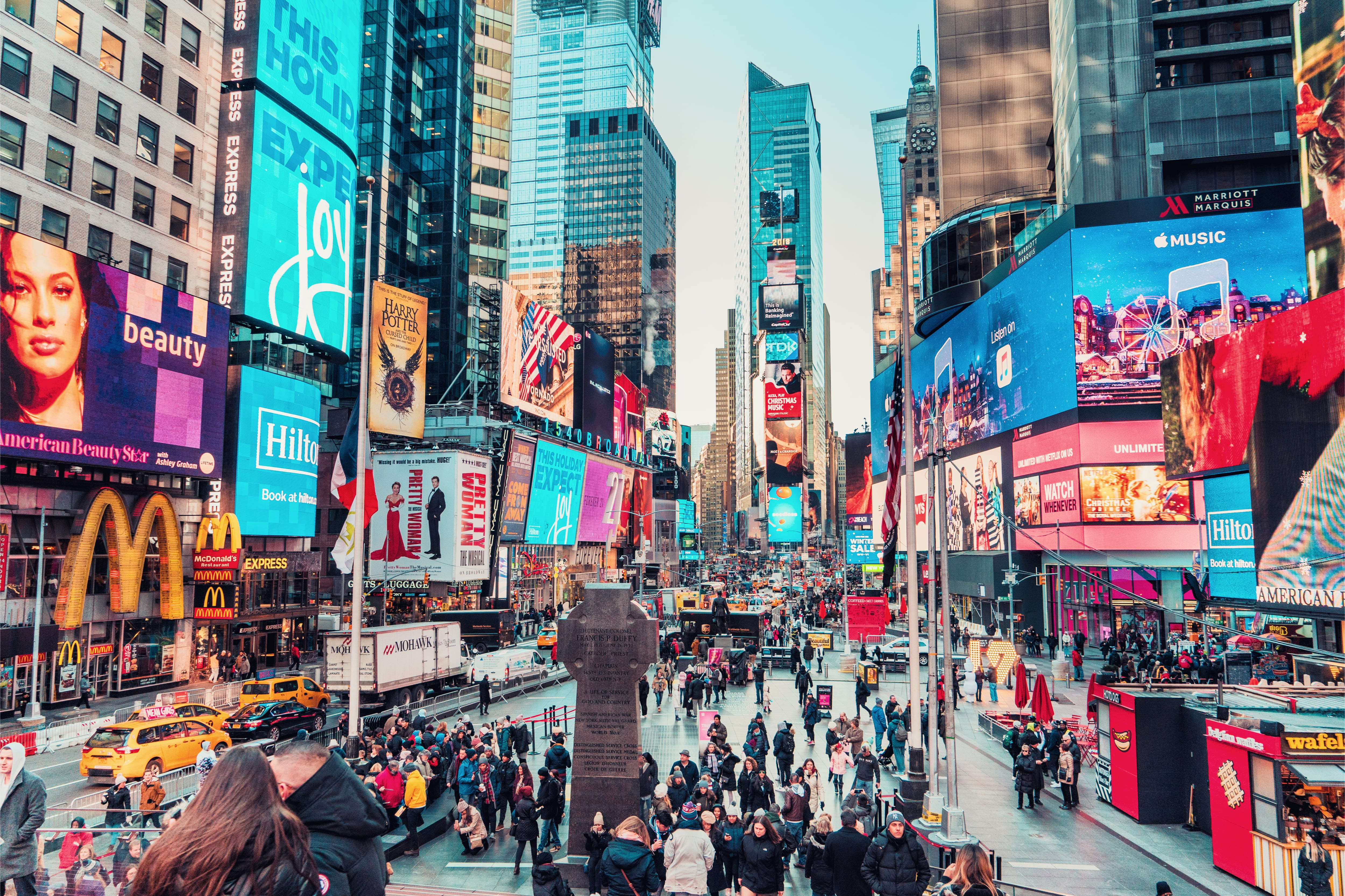 Times Square Losing Shops To Changing Retail Pymnts Com